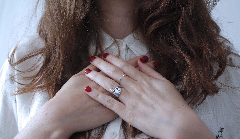 mains_coeur_bon_pour_moi_les_fees_de_la_conscience