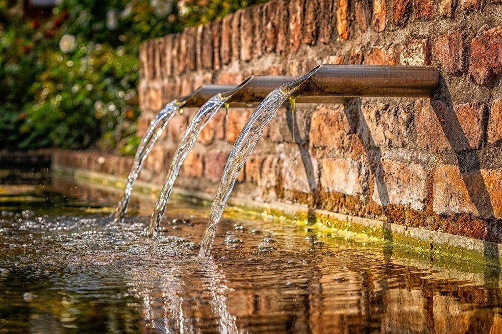 bien boire eau source